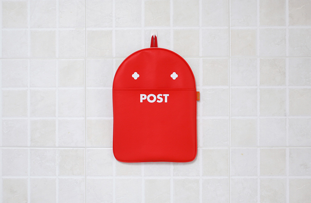Post Pouch